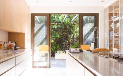 Bicarbonate de soude : comment nettoyer sa cuisine de façon écologique